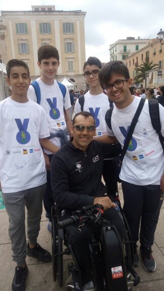 1_giornata-paralimpica-SS-2016-insieme-col-campione-paralimpico-Giovanni-Azzena-1